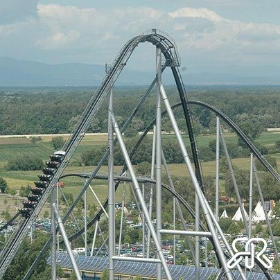 This week's Random Rollercoaster comes to you from Europa Park, Rust, Germany. Silver Star is the tallest rollercoaster in Europe, and takes riders up an initial rise of a whopping 73m before plunging them into a huge drop at speeds of up to 130kmh, pulling 4G vertical forces!