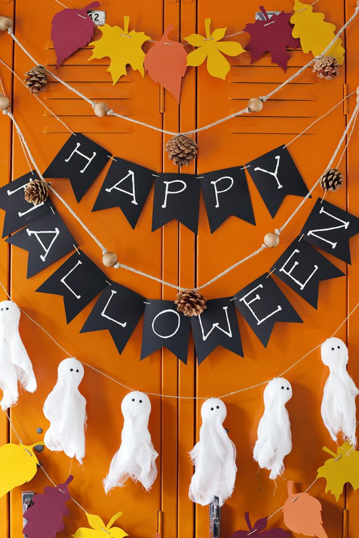 4 Easy Fall & Halloween Garland Ideas
