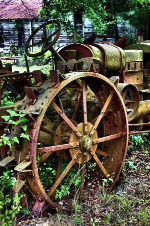 wagon wheel, oil drum