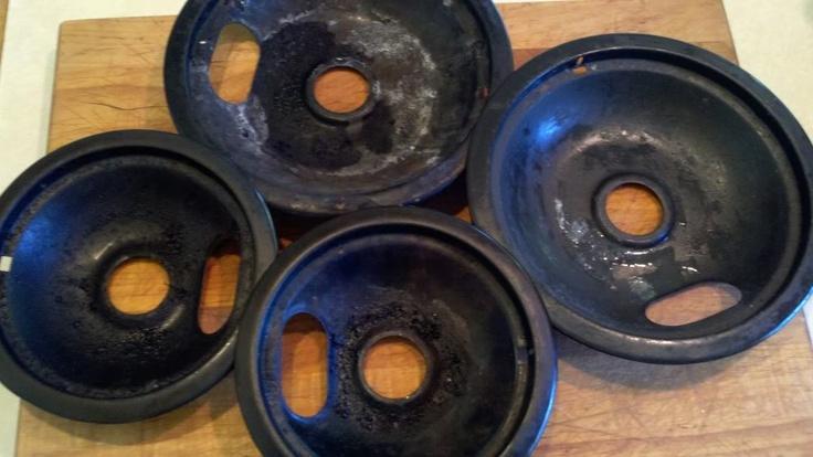 Cleaning stove top burners: Clean Stove Burners, How To Clean Stove Burner, Clean Tips, Burner Pan, Clean Drip Pan Ammonia, Stove Pan, Clean Stove Drip Pan, Bags, Nasty Stove