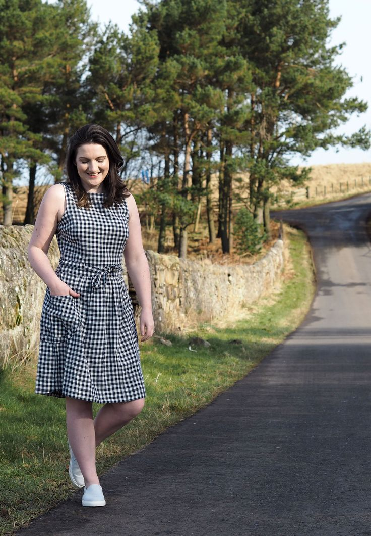 Spring weekend capsule wardrobe for the beautifully unpredictable Scottish weather from Fat Face. How to dress for the ever-changing spring weather