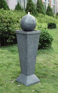 Vandskulptur med springvand 2900,-