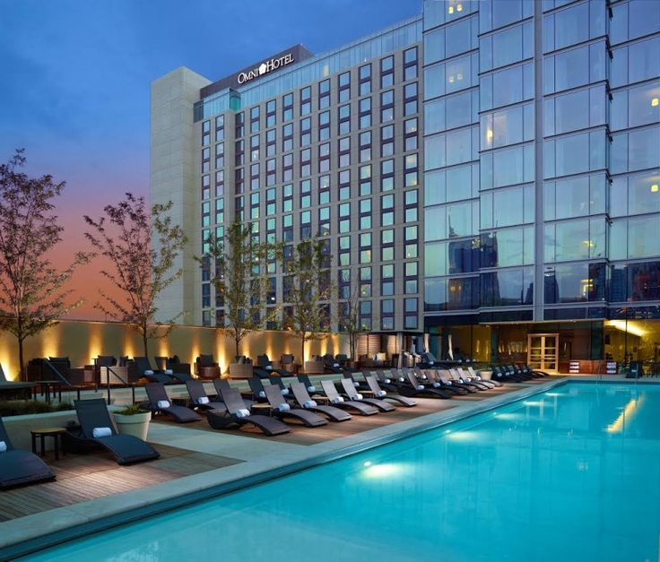 Omni Rooftop Pool and Bar in Nashville