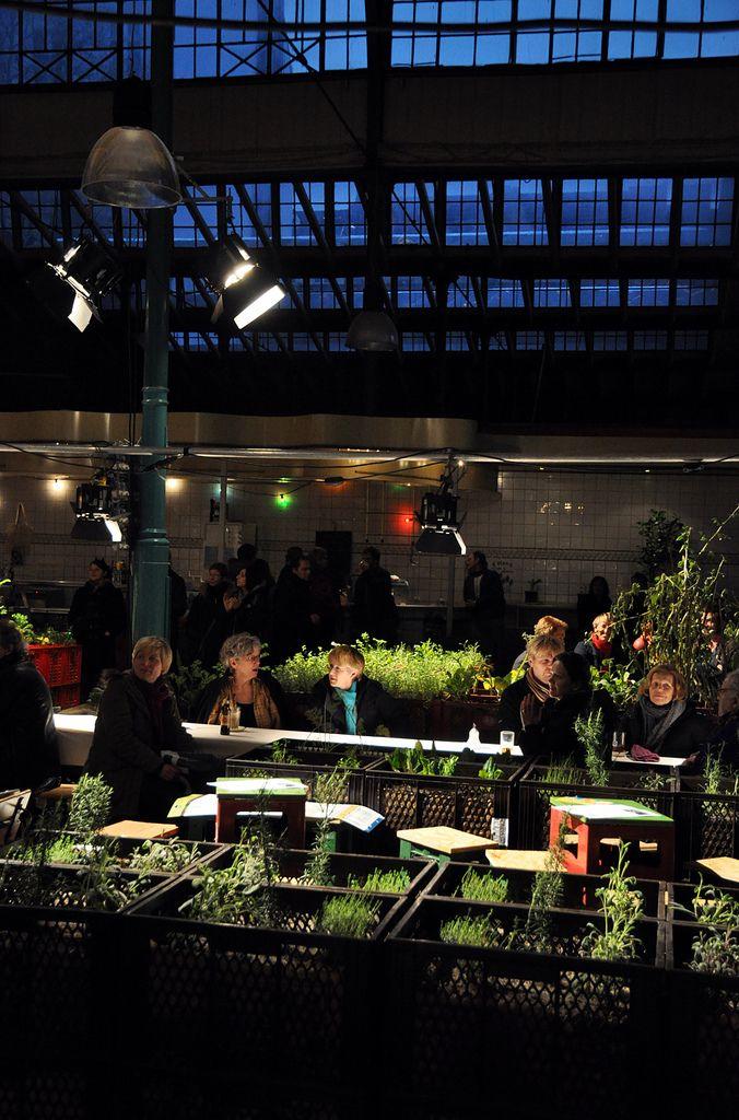 44 best community gardens images on pinterest urban gardening garden ideas and garden projects. Black Bedroom Furniture Sets. Home Design Ideas