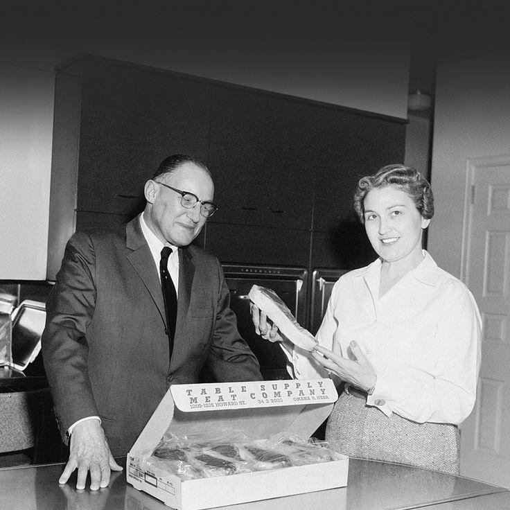 Lester Simon, third-generation owner, presents Omaha Steaks to Cheryl Ann Jaeke, Miss Nebraska 1960.   #ACenturyofSteak #100Years #TBT #ThrowbackThursday