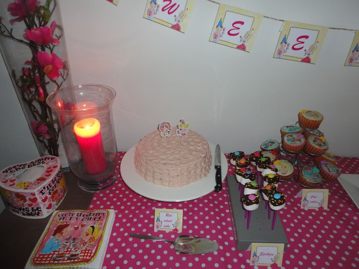 Blond amsterdam sweet table