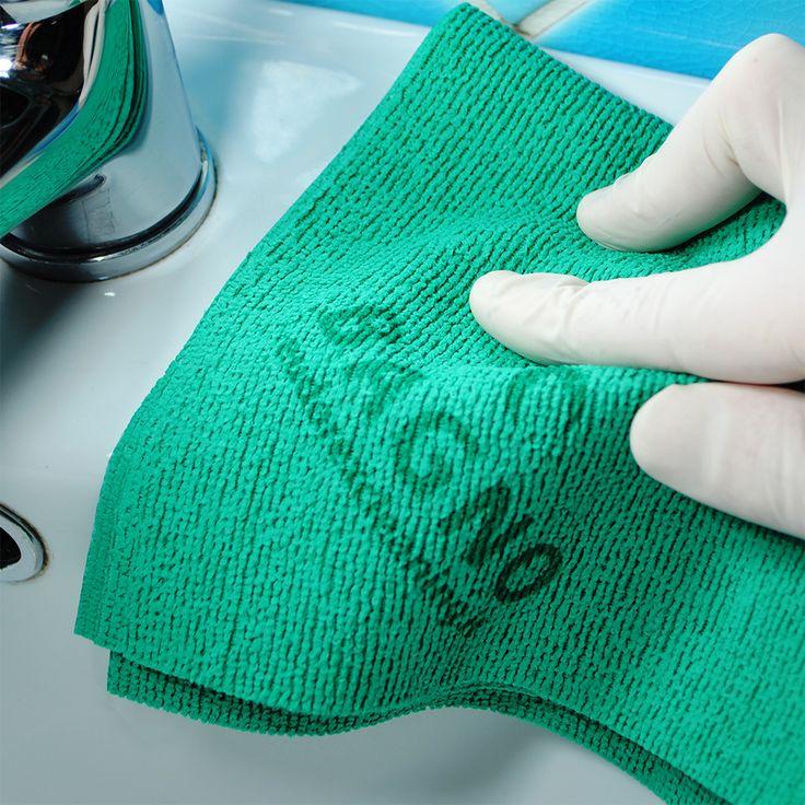 Con il Panno Bagno di Eudorex Cleaning puoi lavare tutta la toilette con l'azione antibatterica, anticalcare e lucidante della fibra poliattiva, rubinetti, lavandino, vasca, piastrelle, wc, ceramiche e cremature.  Una tecnologia antibatterica certificata che riduce i tempi e la quantità di detergente necessaria per ottenere il top dei risultati. Massima pulizia, minimo impatto sull'ambiente, lavabile anche in lavatrice.