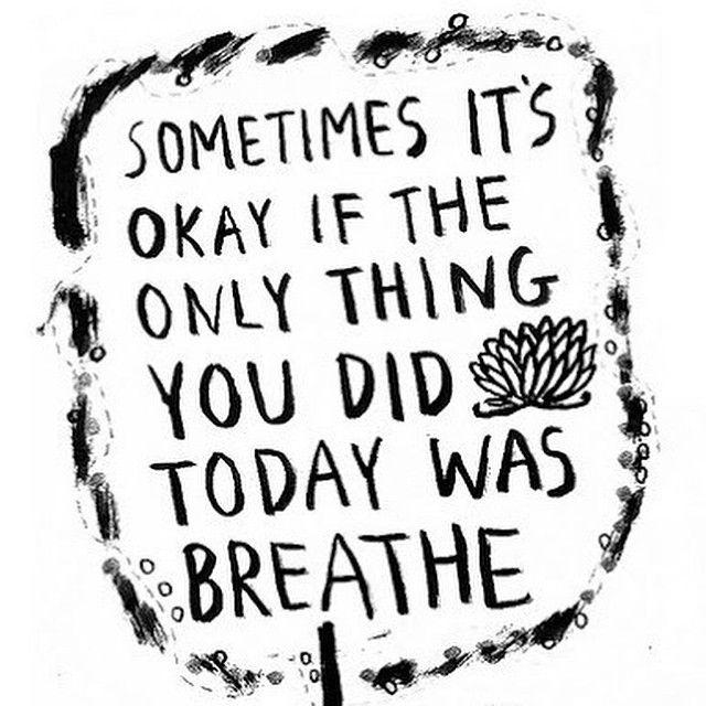 """____________________________ Våknet opp i dag 5:45 og hadde lagt frem tøy for å trene. Planen var der, men kroppen ville ikke. Når kroppen sier stopp er det såå viktig å ta en liten pause og ikke føle """"jeg må"""" hele tiden. Jeg la meg en time til og sov med god samvittighet og det føles deilig å kunne si til seg selv at """"nå må du slappe av"""". Hverdagen er full av gjøremål, motivasjonen og overskuddet mitt må være der for at jeg får noe ut av treningsøkten min. Er DU flink til å si nei når ..."""