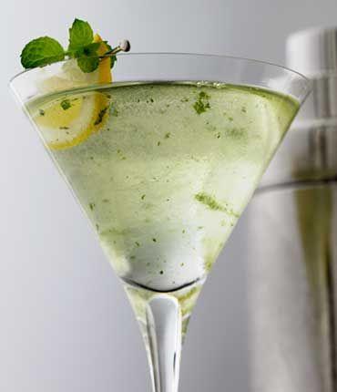 Ingredients  GREY GOOSE® Le Citron 1 ½ Parts Mint Leaves 6 Simple Syrup ½ Parts Club Soda 3 Parts Lemon 1 Slice Mint 1 Sprig