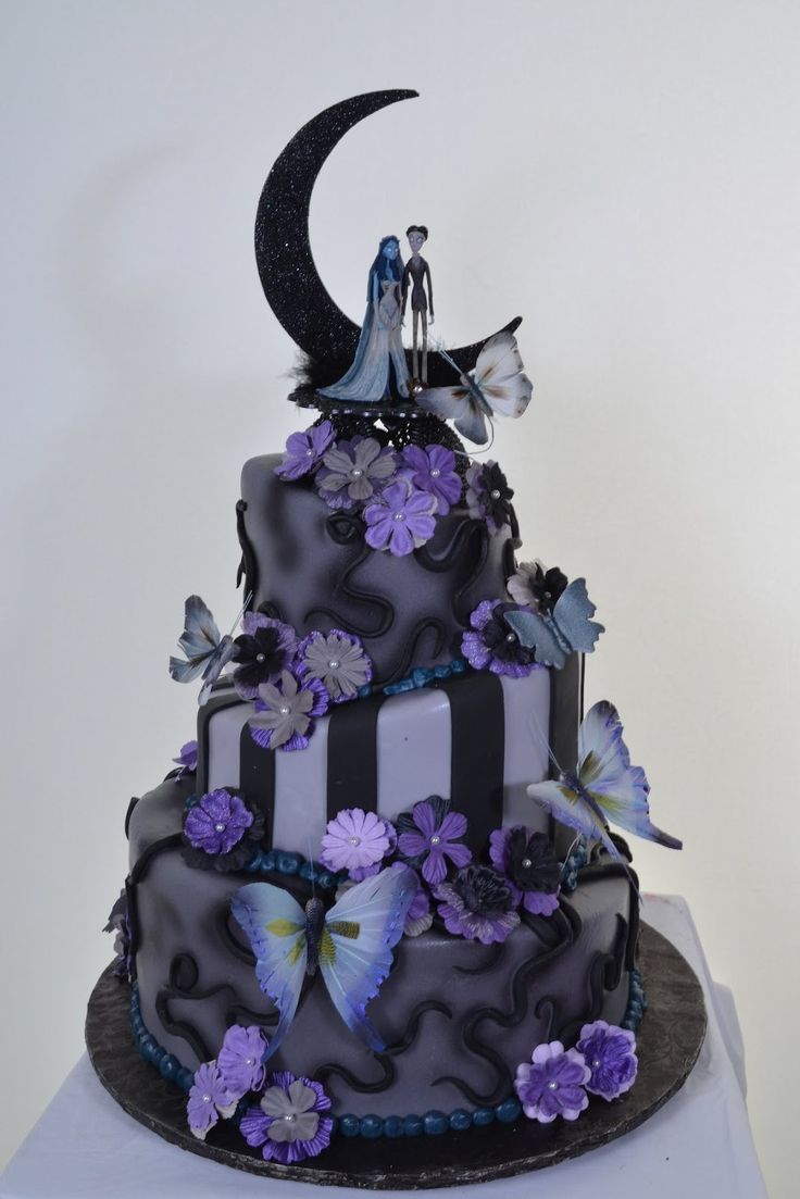 Nightmare Before Christmas Wedding Cake - the previous pinner  This is actually corpse bride but still cool