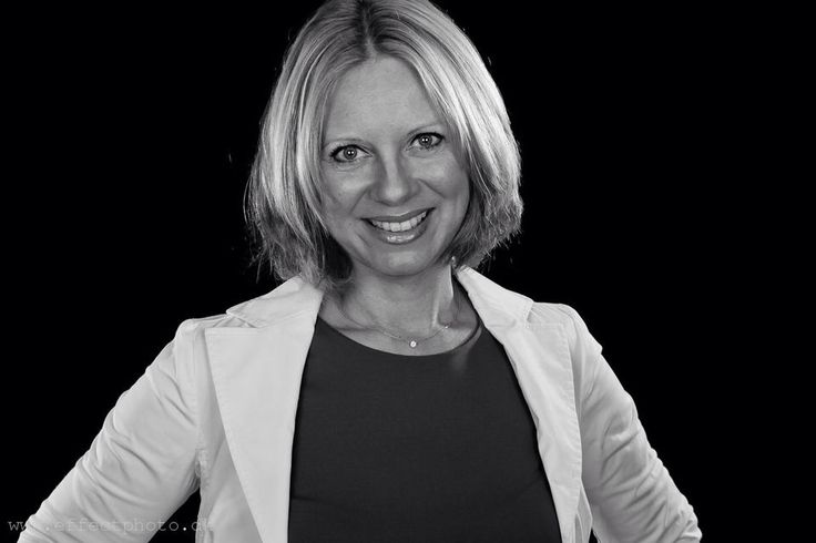 #Businessportrait - Black & White - Charlotte Møller-Andersen by EffectPhoto
