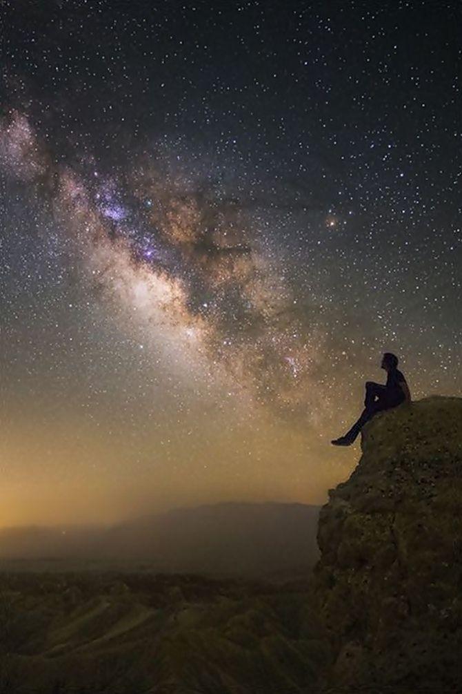 Salmos 8:3-4 ARC  Quando vejo os teus céus, obra dos teus dedos, a lua e as estrelas que preparaste; Que é o homem mortal, para que te lembres dele? e o filho do homem, para que o visites?  //  Psalms 8:3-4 ESV  When I look at your heavens, the work of your fingers, the moon and the stars, which you have set in place, what is man that you are mindful of him, and the son of man that you care for him?