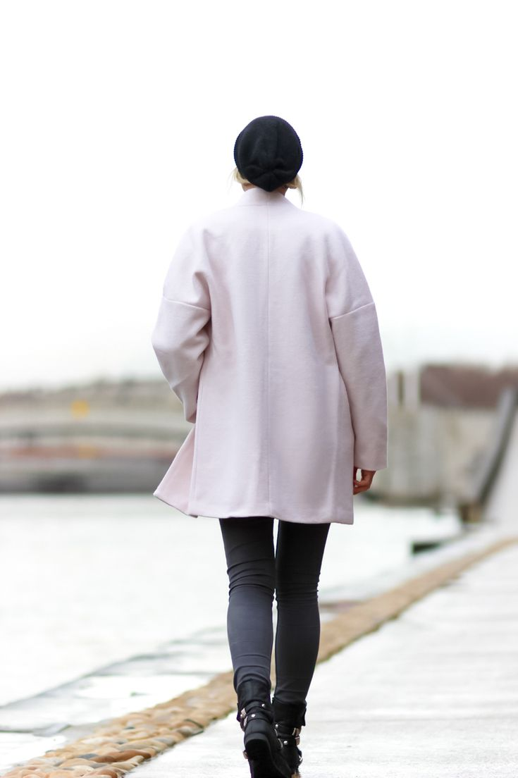 long manteau rose pale hiver / Street style pastel pink coat / long manteau rose street look - Blog mode Artlex fashion blog - Fashion blogger