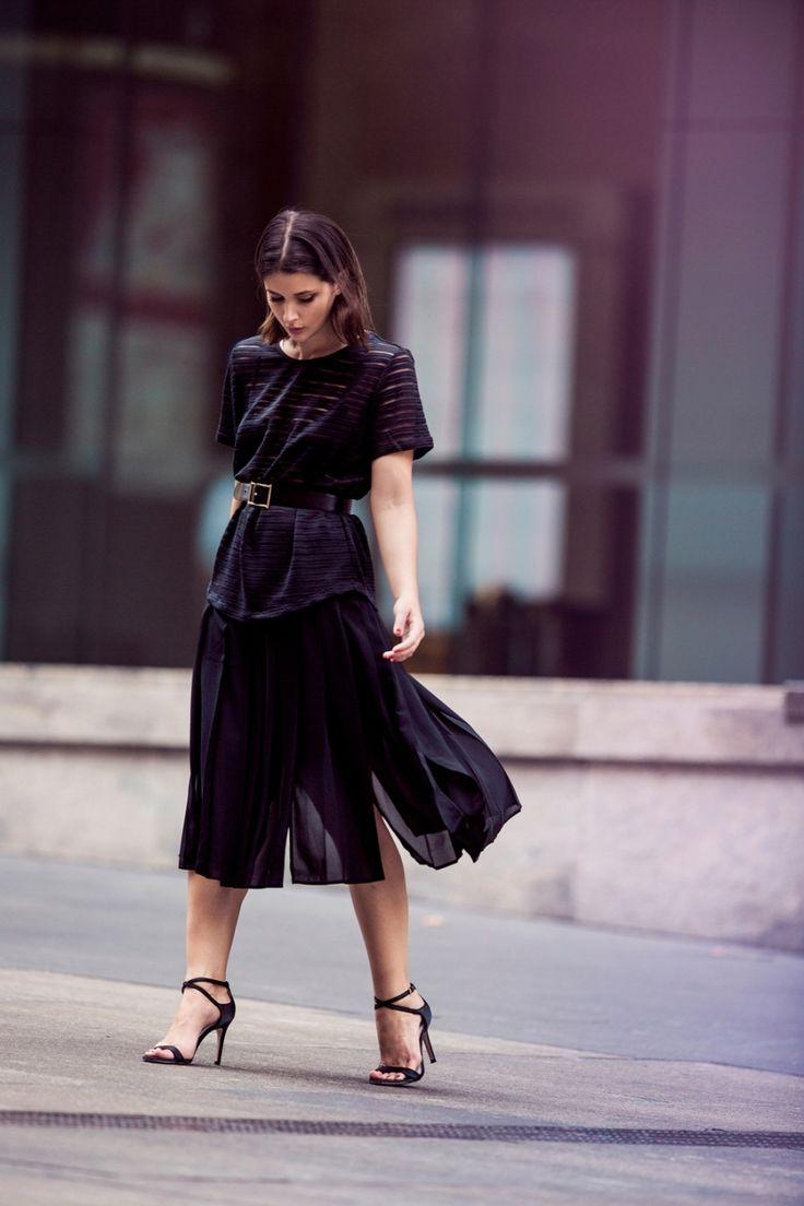 Reiss-black-harper-and-harley_carerr-woman-outfit-m8ym9w71dacx955w6ssu623dnxtv2bcaaj0rdhu2m4.jpg (900×1350)