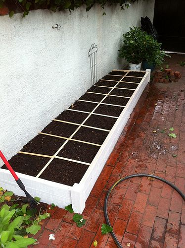 Square foot gardening. Our Organic Vegetable Garden Part 2: Building the Bed