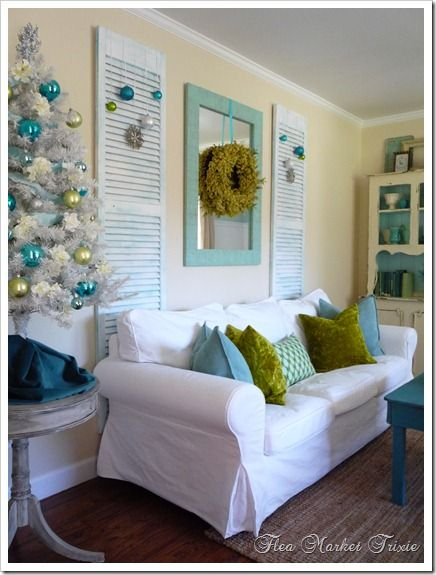 Ornaments Off Shutters Hang Ours From The Inside Of Bookcases Holidays In 2018 Pinterest Home Decor House And