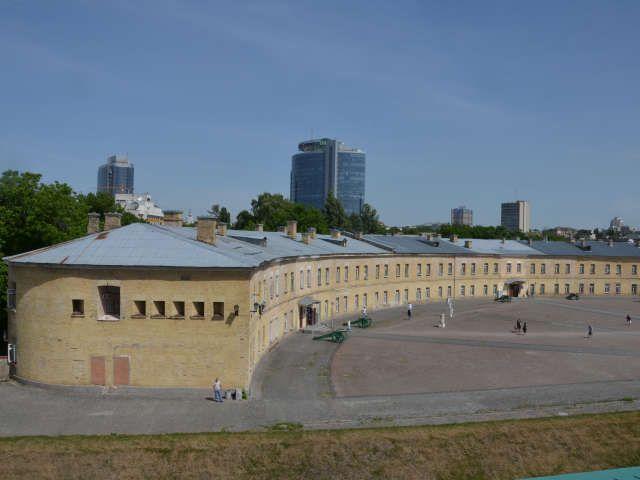 Киевская крепость одно из многих интересных мест в центре города