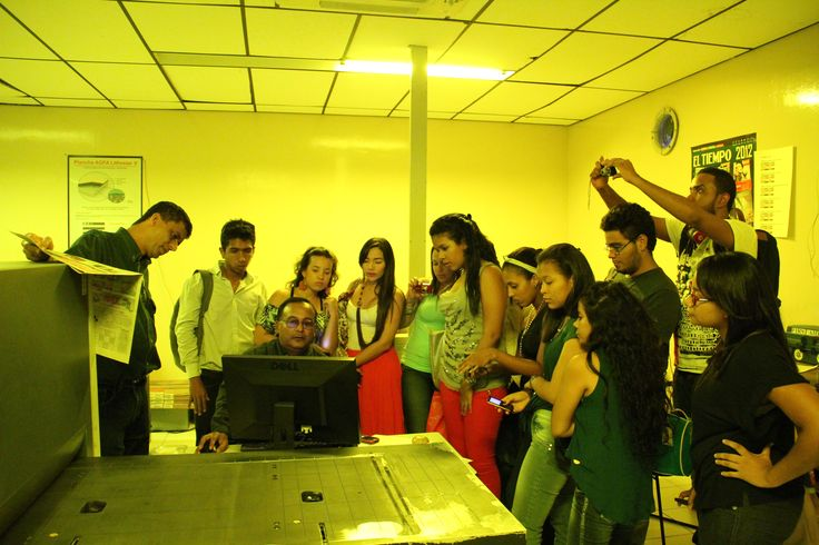 Factor 4: Procesos Académicos. Ruta académica a a ciudad de Barranquilla - Instalaciones de la imprenta del periódico El Tiempo - 2012 . #Unicartagena #ComunicaciónSocial