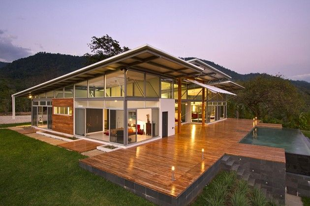 Great balance of materials - ROBLESARQ have designed the Casa Mecano in the Osa Peninsula of Costa Rica.