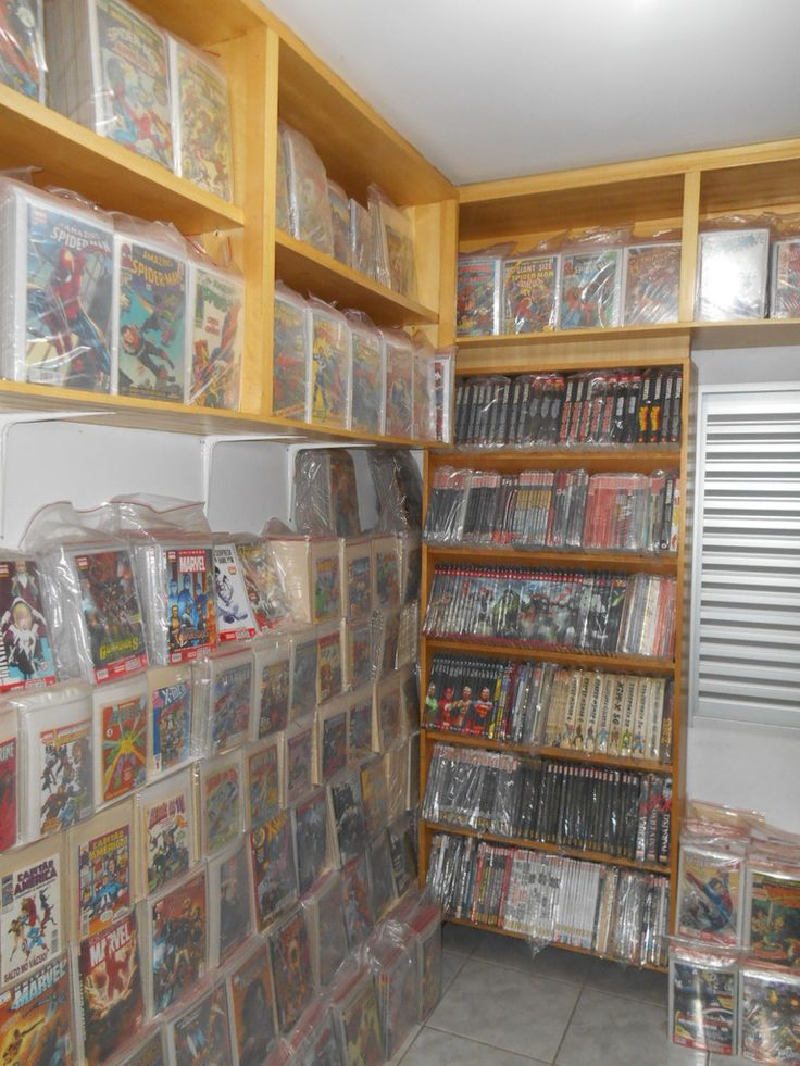 52 best images about comic book storage display ideas on pinterest comic book collection - Comic book display shelves ...