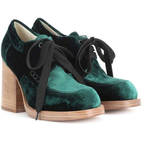 Marni Velvet Pumps (2,110 PEN) ❤ liked on Polyvore featuring shoes, pumps, green, green velvet shoes, marni pumps, green pumps, velvet shoes and marni shoes
