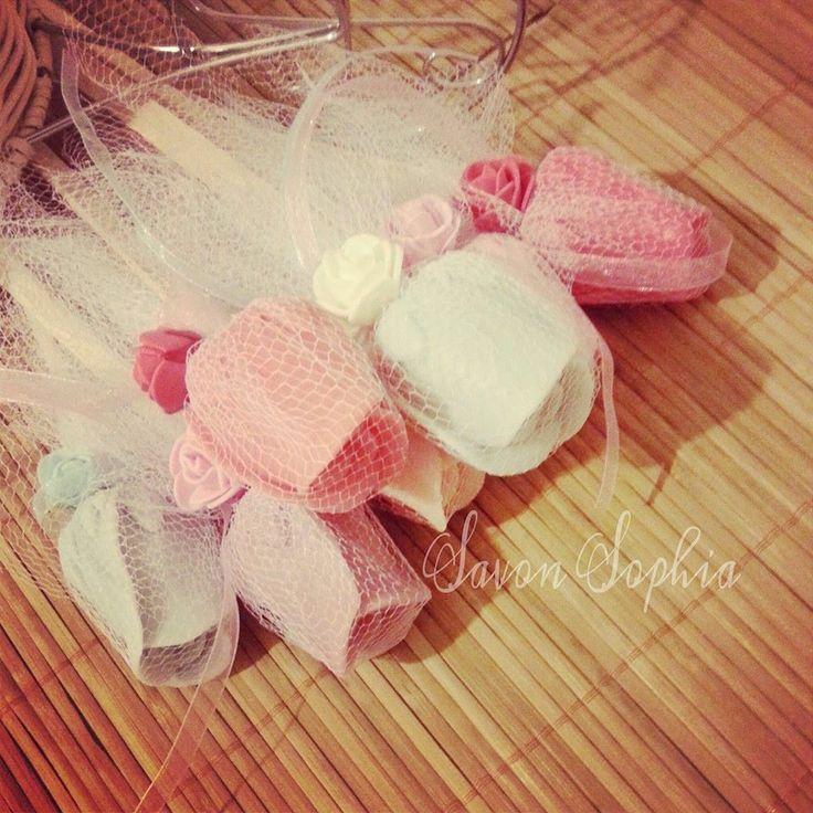 nişan,nikah,kına gecesi ve özel günlerde kalıcı kokusuyla hediyelik dekoratif sabun buketi  #butik #butiksabun #sabunbuketi #sabunaranjman #hediyelik #kina #kinagecesi #kinasepeti #nisan #nikah #dugun #gelin #savonsophia #tasarim