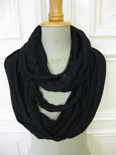 another scarf on my list...