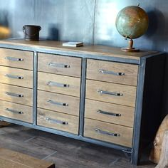 17 meilleures id es propos de bahut industriel sur. Black Bedroom Furniture Sets. Home Design Ideas