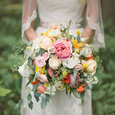 Love how this looks like it was just plucked from a field of flowers! Gorgeous!