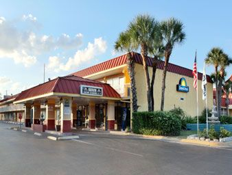 Days Inn Orlando Midtown Orlando, FL 32819. Upto 25% Discount Packages.   Near by Attractions include Universal Studios, Seaworld, Orlando's Congo River, Wet   N Wild, Fun Spot Action. Free Parking and Free Wifi internet. Book your room and   start saving with SecureReservation. Please visit-   http://www.daysinnmidtownorlando.com/