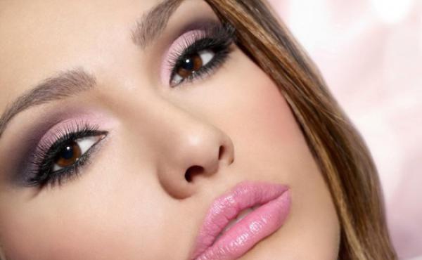 Макияж глаз под розовое платье фото