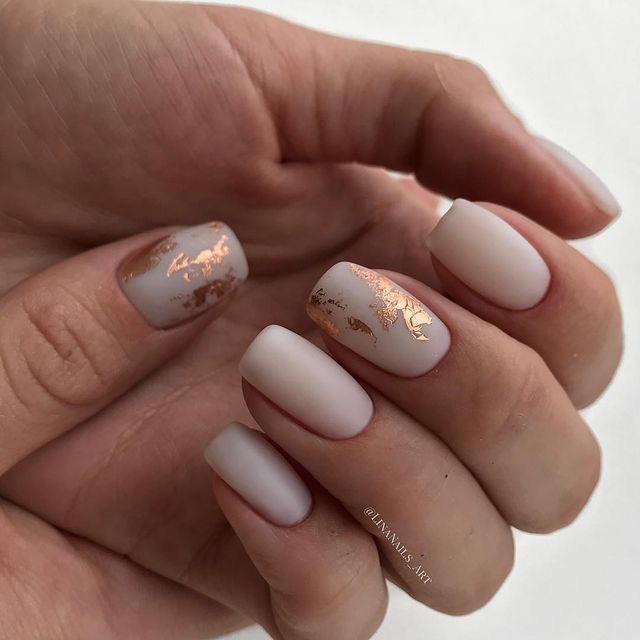 Matte Pale Ivory Nails With Copper Gold Abstract Foil Designs Nailart Sparklenails Naildesigns Re Pinned By Breanna L Follow Me And Never