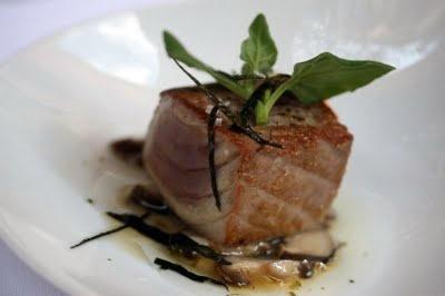 Tonno alla Griglia.  Grilled tuna fillet.