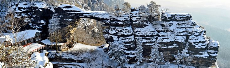 The best winter hiking tour. Two main highlights, two countries and with no crowds.