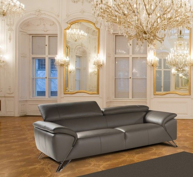 The Tesla range is a contemporary Italian designed collection of leather sofas, chairs and a combination of units to enable you to create almost any size corner group for any size living room.