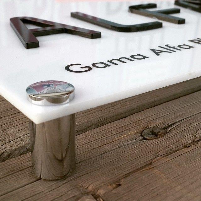 Tabela, led tabela, ışıklı tabela, totem tabela gibi ihtiyaçlarınız olduğunda da yanınızdayız. Alışılmışın dışında, farklı tasarımları da başarıyla uygular, zamanında teslim eder, severek çalışırız ;) www.gumuskalem.com.tr