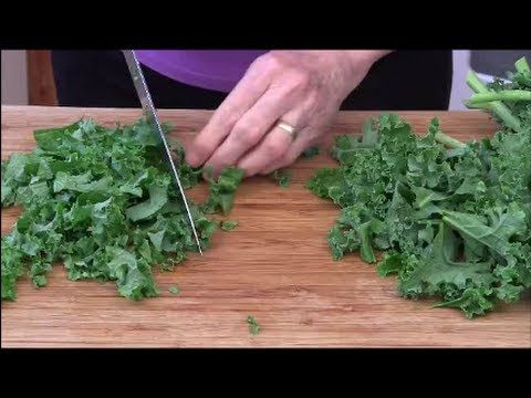 How to Chop and Cook Kale - YouTube