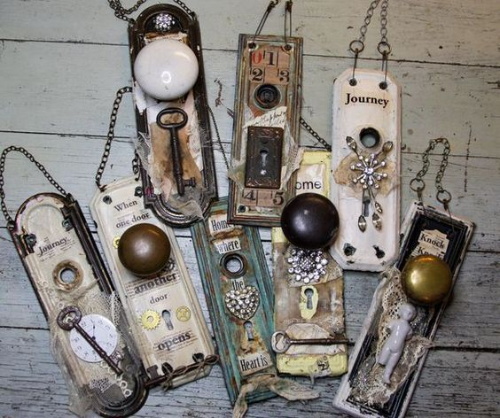 Mixed Media Vintage Door Handles ~ cool way to let your creativity turn these into a great hanging decor item