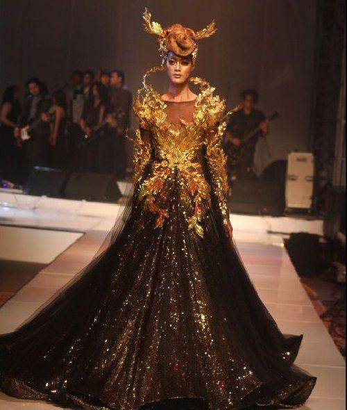Indonesian fashion designer tex saverio couture for Couture fashion designers