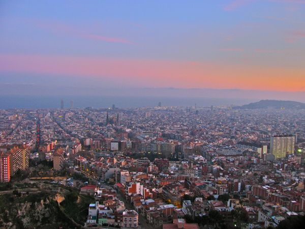 5 Best and Essential Things to Do in Barcelona: A Glomad Guide