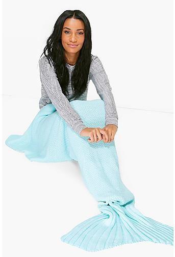 Knitted Mermaid Tail Blanket