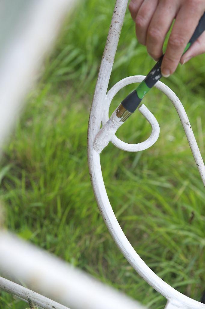 Repeindre un salon de jardin en fer c 39 est facile chaises garden outdoor et garden hose - Repeindre un salon ...