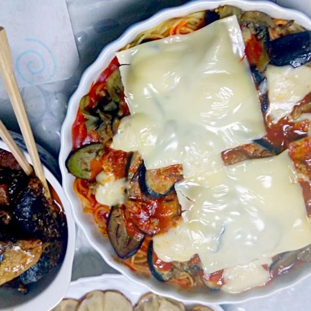 ミートグラタンは好評ですぐに無くなっちゃいました(*^^*) - 4件のもぐもぐ - なすとスパゲティのミートグラタンと鯖の甘露煮 by ghr1aew0ekn6