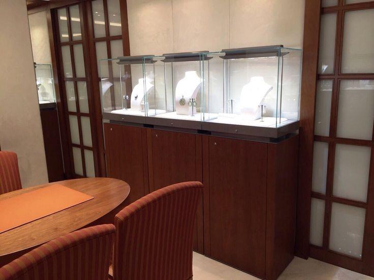 HOME - Vetrine espositive per musei gioiellerie e fiere RB PROGETTI