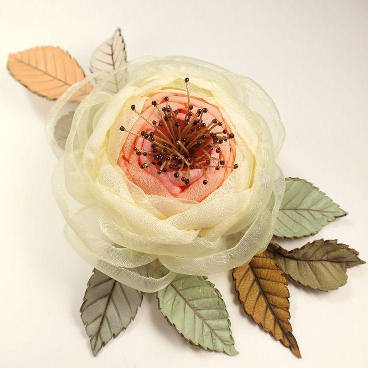 Купить Утро Коралловой Заводи. Брошь из ткани и натуральной кожи - разноцветный, коралловый, розовый