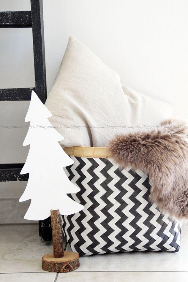 Im Weihnachtsmodus angekommen oder DIY Upcycling Ikea Schreibtischplatte