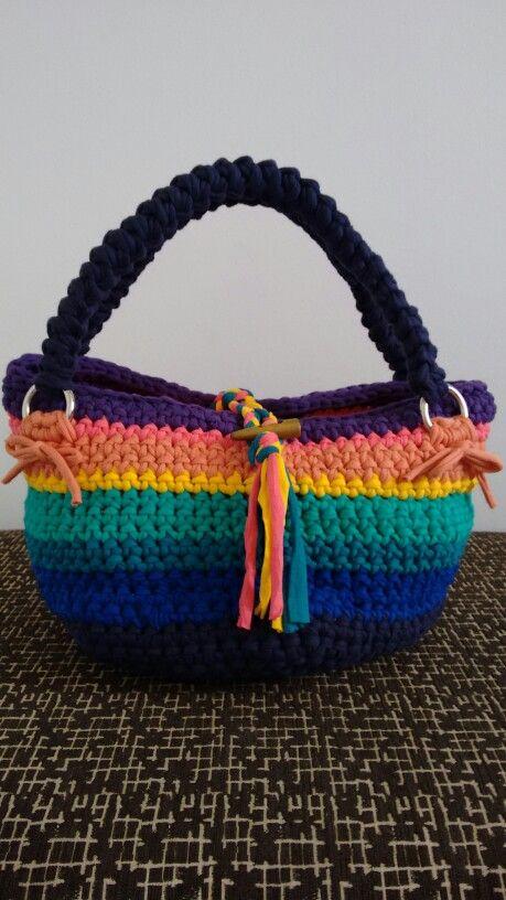 Bolso arco iris con flecos