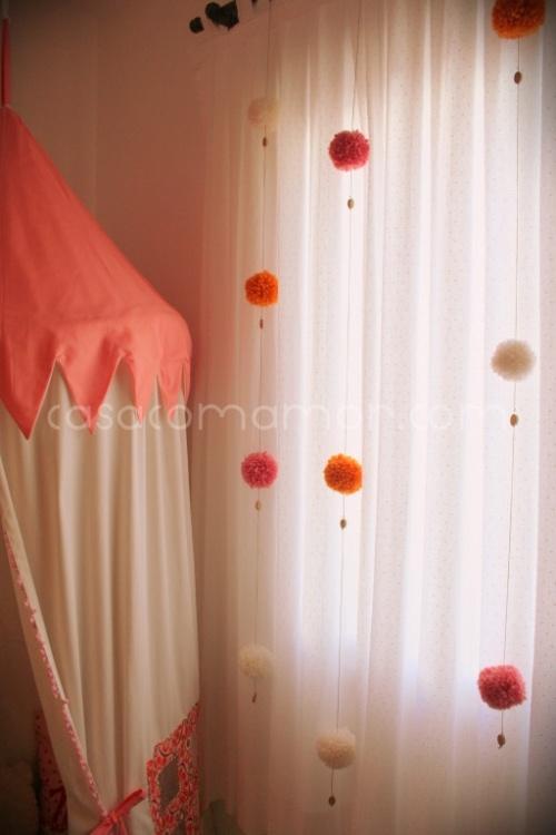 pompons em cortinas