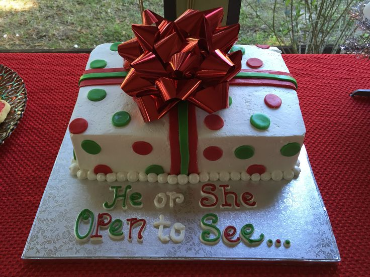 Christmas baby gender reveal cake- kudos to Publix!!! | Gender ...
