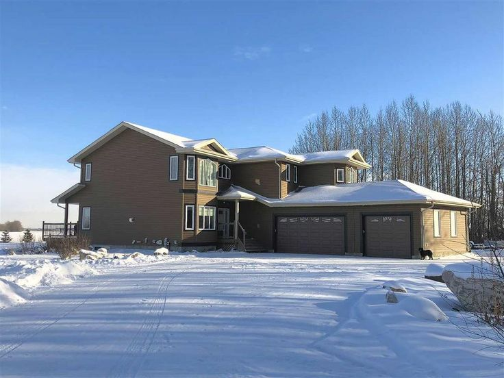 Stunning 6 Bedroom Home with Huge Shop and Income Suite for Sale n the Edge of Edmonton!